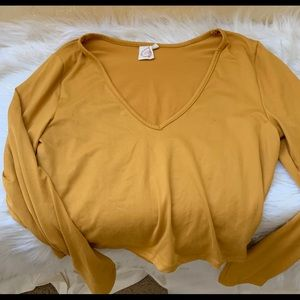 Long sleeve top size small